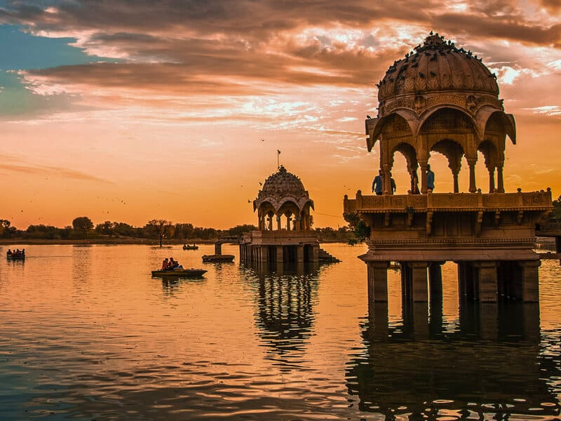 Gadisar Lake, Places to Visit in Jaisalmer