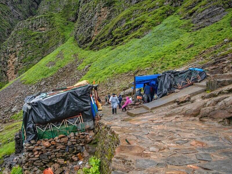 Hemkund Sahib Trek Route