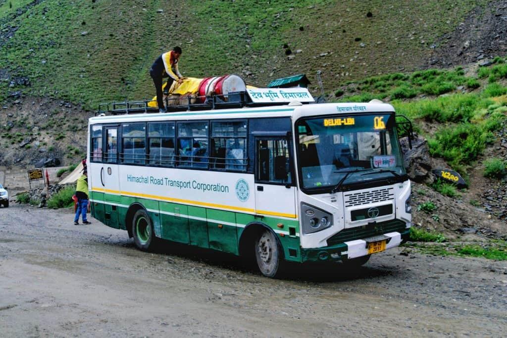 Manali to Leh Bus
