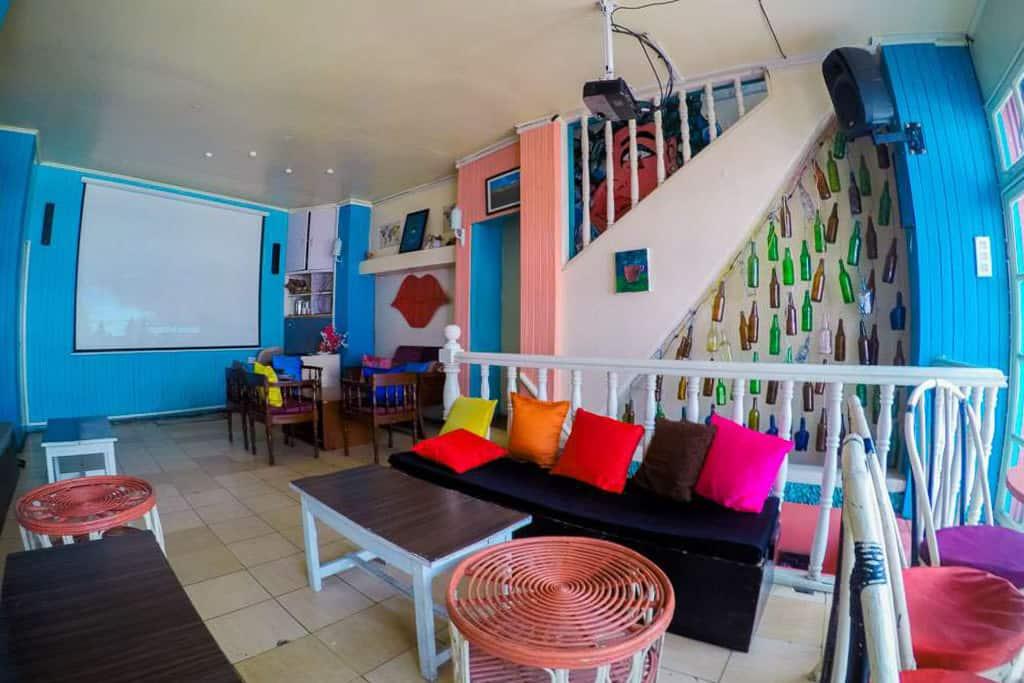 Zest Cafe, Shillong